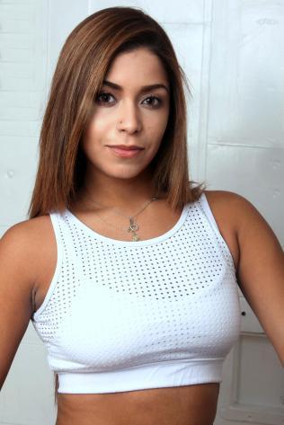 Daniela (1)